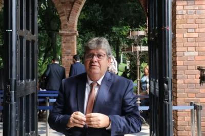 Governo da Paraíba autoriza reabertura de óticas e concessionárias no estado