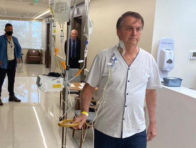 De acordo com o boletim médico, ainda não há previsão de alta hospitalar