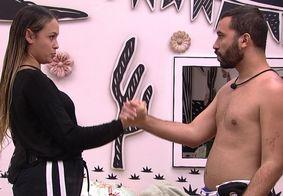 Com medo de rejeição, Gil e Sarah planejam pedir perdão a Juliette