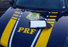 Dupla é presa com cocaína escondida em banco de carro, na PB; droga seria entregue no Recife