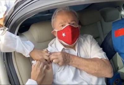 Lula recebeu o imunizante em São Bernardo do Campo, no ABC paulista