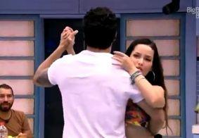 BBB 21   'Por que vocês não dão um beijo?', dispara Gil ao ver Juliette e Rodolffo dançando