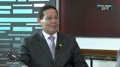 """Senador Alcolumbre deveria """"botar o nome para ser votado"""", diz Mourão"""