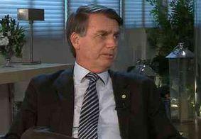 """Bolsonaro ataca intervenção: """"Que guerra é essa que só um lado atira?"""""""