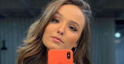 Larissa Manoela revela como foi sua primeira vez
