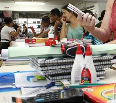 Escolas particulares poderão ser obrigadas a devolver aos pais material escolar não utilizado