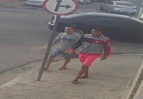Criminosos foram registrados praticando o crime