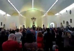 """Vídeo: grupo pede """"Lula livre"""" ao som de Antônio Nóbrega em igreja de PE"""