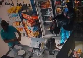 Câmera flagra momento em que assaltante é morto por policial à paisana na PB