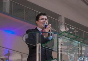 """Ministério Público intima pastor que disse que Coronavac """"tem HIV dentro"""""""