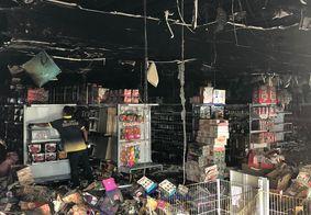 Loja foi completamente destruída