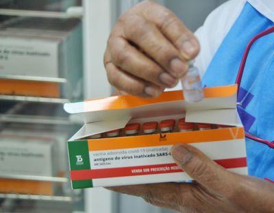 Vacinas serão aplicadas para primeiras e segundas doses.