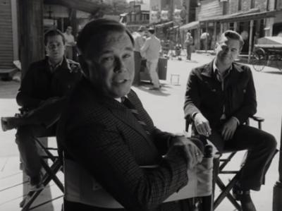 Leonardo DiCaprio compartilha trailer de filme com Brad Pitt