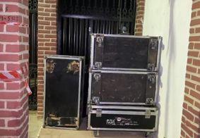 Parte dos equipamentos da live suspensa pela Justiça.