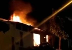 Incêndio destrói fábrica de móveis em Campina Grande
