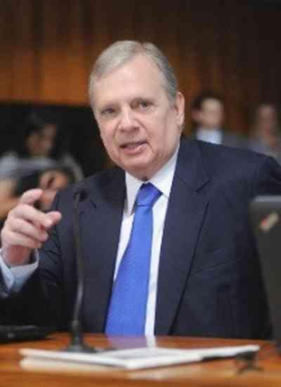 Contra Renan, senadores cogitam apoiar Tasso Jereissati
