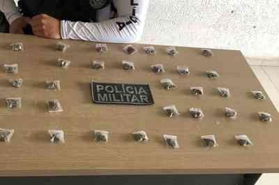 Suspeito foge mas PM apreende papelotes com drogas em João Pessoa