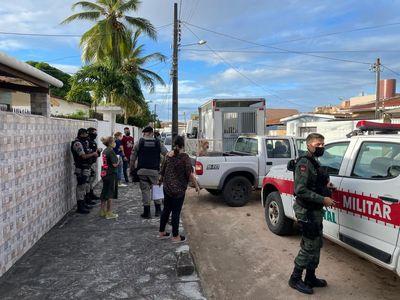 Zoonoses resgata 8 cães vítimas de maus-tratos em João Pessoa