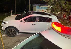 Homem é morto a tiros enquanto dirigia carro em João Pessoa