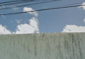 Homem escorrega de escada e cai de altura de 6 metros, em João Pessoa