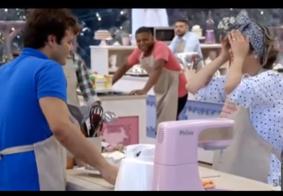 Participante danifica bolo de colega ao abraçá-la em prova do 'Bake Off Brasil'