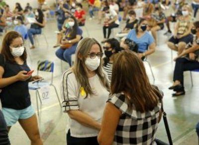 Confira como foi o 1º dia de vacinação de profissionais da Educação em João Pessoa