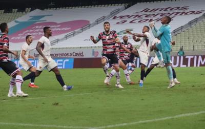 Santa Cruz bate o Fortaleza pela primeira vez no Nordestão e soma primeiros pontos