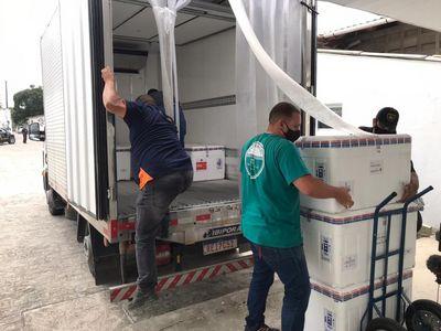 Paraíba recebe primeira metade das 168.730 doses de vacina contra Covid-19